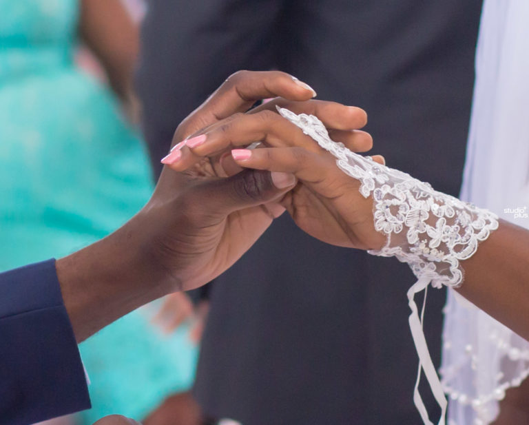 7 Reasons Why You Should Book HD Plus Creations For Your Wedding Shoot